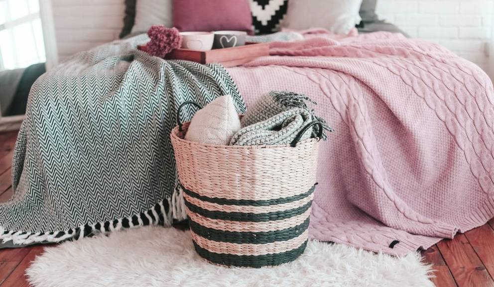 Throw Blanket Material information and tips when choosing